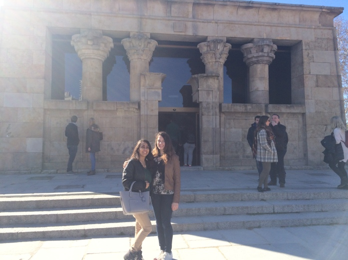 Outside the Templo de Debod
